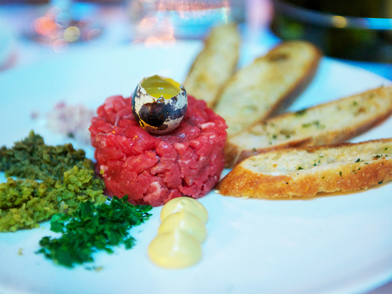 Classic food pairing: Steak Tartare